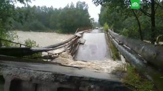 ВБайкальске <nobr>из-за</nobr> дождей обрушился мост