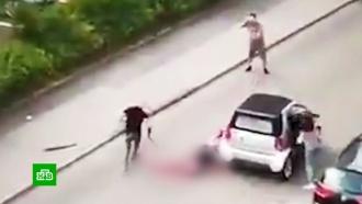 В Штутгарте мужчину изрубили мечом на улице