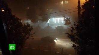 Ливень сгрозой иураганным ветром: сильный шторм обрушился на Москву