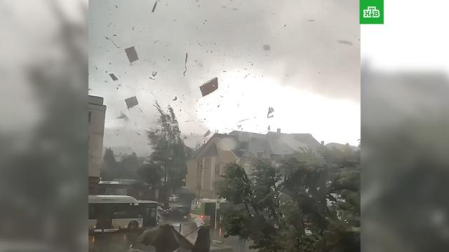 Разрушительный смерч в Бельгии и Люксембурге сняли на видео.Бельгия, погодные аномалии, штормы и ураганы.НТВ.Ru: новости, видео, программы телеканала НТВ