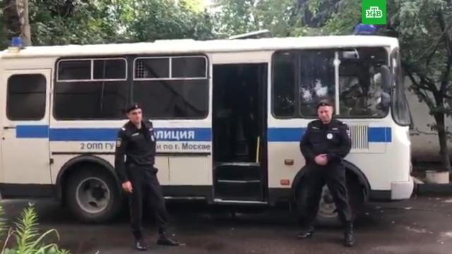 Оппозиционера Яшина задержали на выходе из спецприемника.Москва, задержание, оппозиция.НТВ.Ru: новости, видео, программы телеканала НТВ
