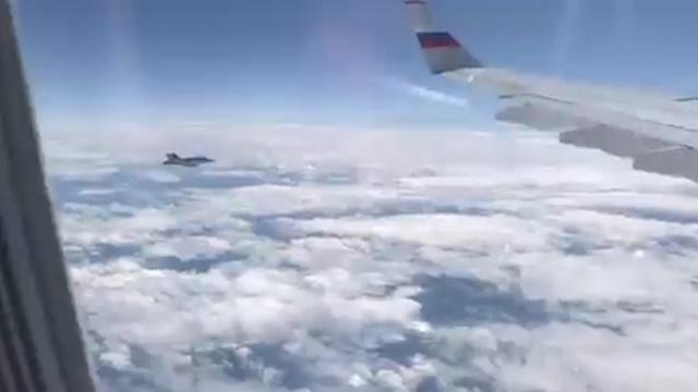 Швейцарские истребители подлетели к самолету делегации Путина.Путин, Швейцария.НТВ.Ru: новости, видео, программы телеканала НТВ