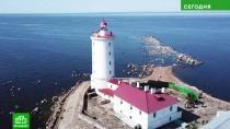 Навигация, рыбалка, огород: чем заняты смотрители маяка «Толбухин»