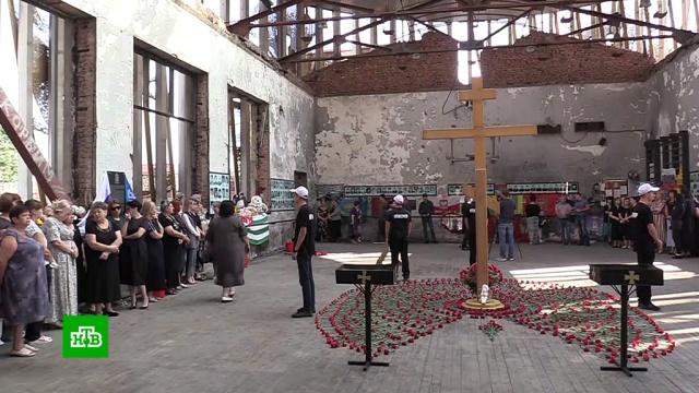 В Беслане начинается трехдневная вахта памяти по жертвам теракта в школе.Беслан, терроризм, школы.НТВ.Ru: новости, видео, программы телеканала НТВ