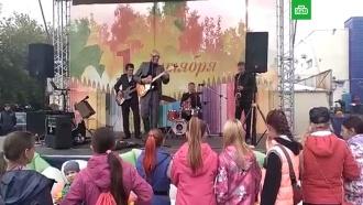 Сельских школьников поздравили песней «Рюмка водки на столе»