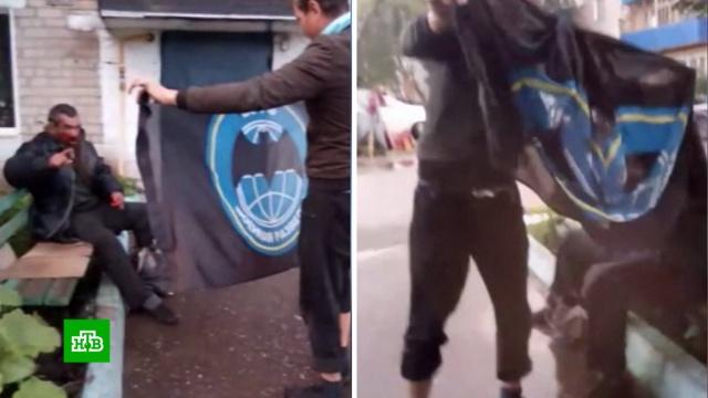 Пользователи соцсетей нашли мужчину, жестоко избившего бомжа в Башкирии.Башкирия, Интернет, драки и избиения, жестокость, бомжи.НТВ.Ru: новости, видео, программы телеканала НТВ