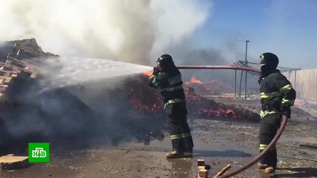 Мощный пожар произошел на складе в Краснодаре.Краснодар, пожары.НТВ.Ru: новости, видео, программы телеканала НТВ