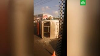 Автобус спассажирами перевернулся вТомске