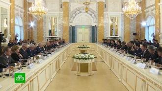 Медведев: Россия иКитай намерены совместно исследовать поверхность Луны