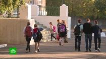 ВДонбассе школьники ездят на занятия под звуки выстрелов