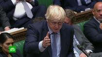 Британский парламент обвинил Джонсона во лжи и сквернословии
