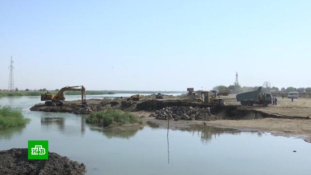 ВСирии восстанавливают переправу через Евфрат.Сирия, мосты, строительство.НТВ.Ru: новости, видео, программы телеканала НТВ