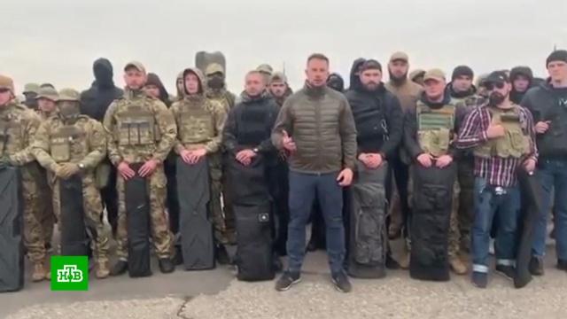 Перед отводом сил вДонбассе полк «Азов» занял позиции упоселка Золотое.Украина, митинги и протесты, национальная рознь.НТВ.Ru: новости, видео, программы телеканала НТВ