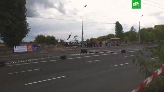 Во время гонок на Украине автомобиль врезался взрителей