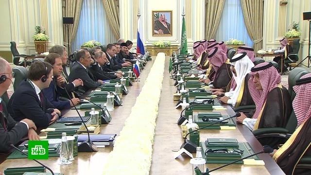 Путин и король Саудовской Аравии обсудили цены на нефть.Путин, Саудовская Аравия, нефть.НТВ.Ru: новости, видео, программы телеканала НТВ