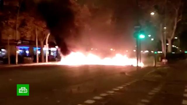 В ходе ночных беспорядков в Каталонии пострадали более 50 человек.Каталония, беспорядки, митинги и протесты.НТВ.Ru: новости, видео, программы телеканала НТВ