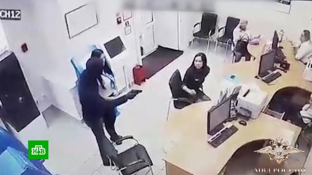 Мужчина ограбил банк для оплаты долгов.Тюмень, аресты, банки, задержание, кражи и ограбления.НТВ.Ru: новости, видео, программы телеканала НТВ