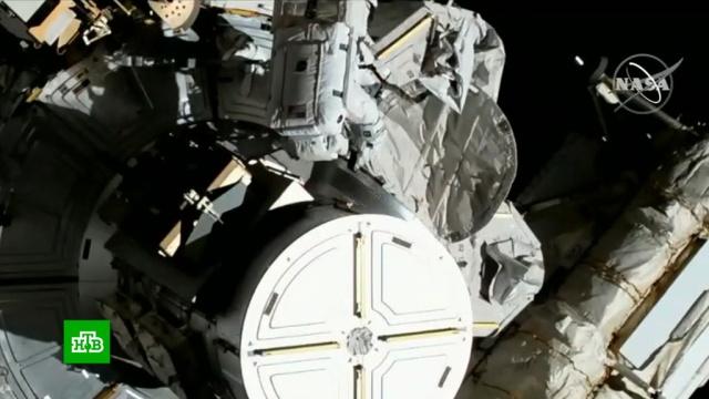 Женщины-астронавты заменили вышедший из строя внешний энергоблок на МКС.МКС, женщины, космонавтика, космос.НТВ.Ru: новости, видео, программы телеканала НТВ