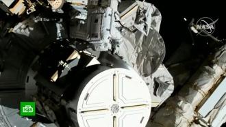 <nobr>Женщины-астронавты</nobr> заменили вышедший из строя внешний энергоблок на МКС