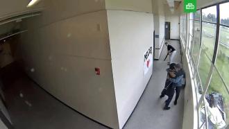 Тренер объятиями предотвратил стрельбу в школе