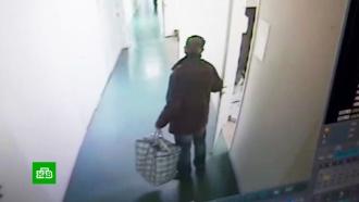 Грабитель вынес сейф с миллионом рублей из офиса в Волгограде