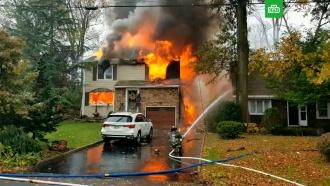 Самолет упал на дом в Нью-Джерси и загорелся