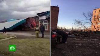 В городах Сибири устраняют последствия мощного ураганного ветра