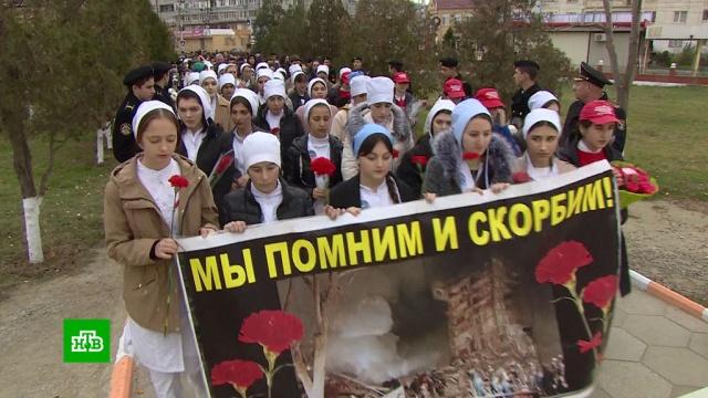 ВКаспийске почтили память погибших втеракте 1996года.Дагестан, взрывы, смерть, терроризм, траур.НТВ.Ru: новости, видео, программы телеканала НТВ