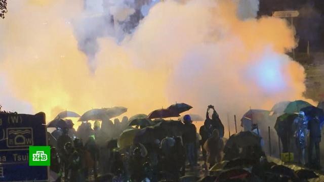 Полиция Гонконга готова применять боевые патроны против протестующих.Гонконг, беспорядки, митинги и протесты.НТВ.Ru: новости, видео, программы телеканала НТВ