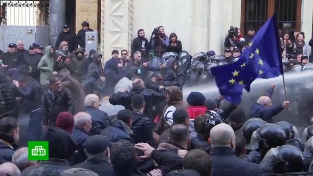 Грузинские оппозиционеры заявили, что разгон митинга их не остановит.Грузия, митинги и протесты.НТВ.Ru: новости, видео, программы телеканала НТВ
