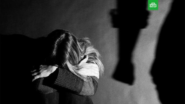 Бьет — не значит любит: как защитить жертв домашнего насилия.Госдума, драки и избиения, жестокость, законодательство, издевательства, семья.НТВ.Ru: новости, видео, программы телеканала НТВ