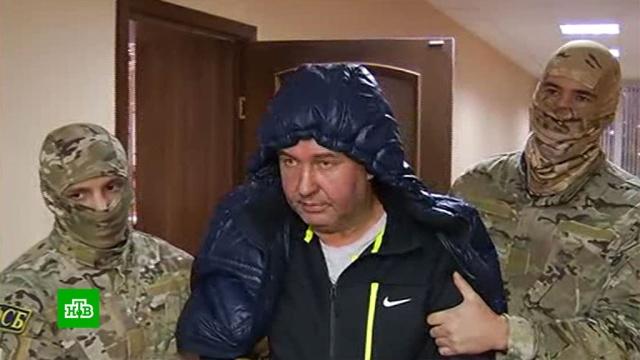 Полковник МВД воткнул себе в живот ножницы во время задержания.Нижегородская область, взятки, коррупция, полиция, задержание.НТВ.Ru: новости, видео, программы телеканала НТВ