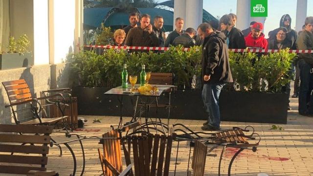 Два человека погибли в результате перестрелки в Сухуме.Перестрелка произошла в центре Сухума (Абхазия). Погибли мужчина и женщина.Абхазия, смерть, стрельба.НТВ.Ru: новости, видео, программы телеканала НТВ