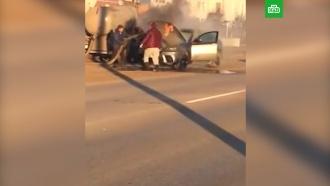Ассенизатор затушил горящий автомобиль фекалиями