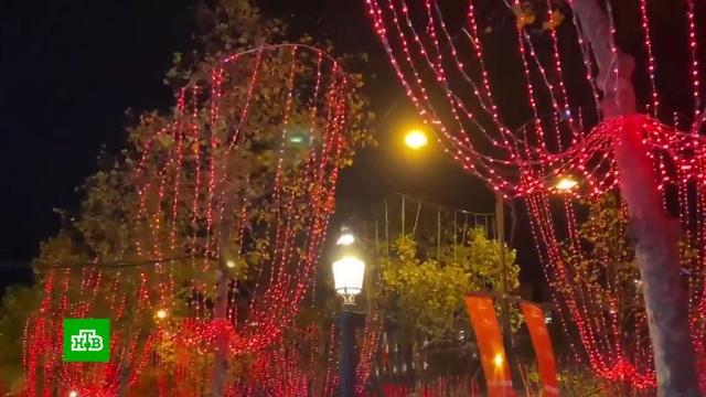 Новогодний Париж: иллюминация на Елисейских Полях обошлась в миллион евро.Новый год, Париж, Рождество, Франция, торжества и праздники.НТВ.Ru: новости, видео, программы телеканала НТВ
