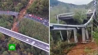 Впригороде Турина автомобильная эстакада рухнула вущелье