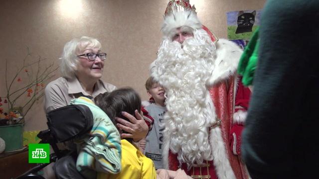 Дед Мороз навестил женщину, выжившую при пожаре в«Хромой лошади».Дед Мороз, НТВ, Новый год, дети и подростки, торжества и праздники.НТВ.Ru: новости, видео, программы телеканала НТВ
