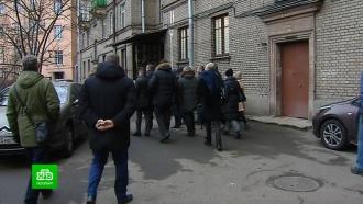 Чиновники пообещали петербуржцам не перебарщивать с солью на тротуарах