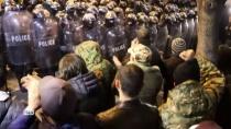 Массовые протесты раскололи жителей Тбилиси на два лагеря