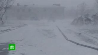 Снежный циклон на Сахалине: отменены рейсы и парализовано движение