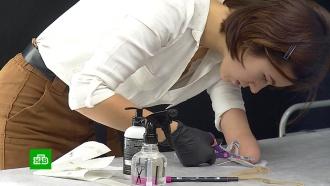 <nobr>Девушка-инвалид</nobr> бьет тату одной рукой, чтобы заработать себе на протез