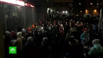 Петербуржцы штурмовали муниципалитет ради детских билетов на ёлку