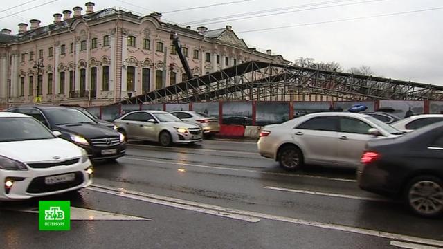 Из-за ремонта моста на Невском проспекте водители рискуют попасть в ДТП