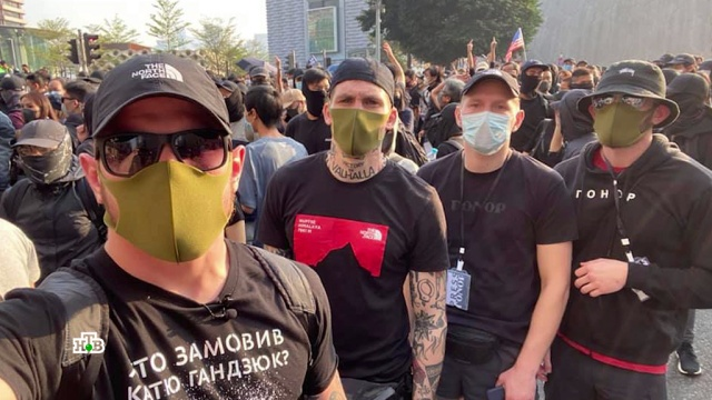 Что делают украинские радикалы на протестах вГонконге.НТВ.Ru: новости, видео, программы телеканала НТВ