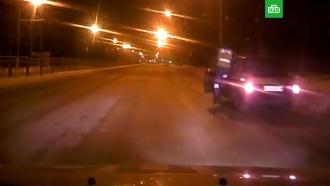 Автоинспектор на ходу запрыгнул в машину к пьяному подростку