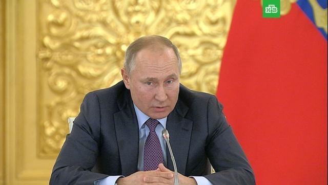 Путин ответил Сокурову по поводу званий Ахмада иРамзана Кадыровых.Кадыров, Путин, награды и премии.НТВ.Ru: новости, видео, программы телеканала НТВ