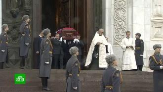 Лужкова похоронили рядом сМихалковым иЗыкиной