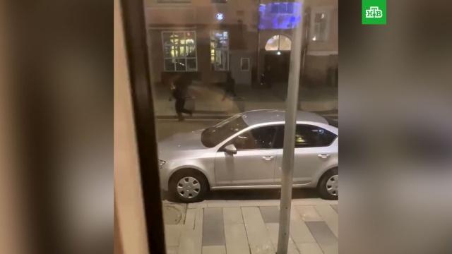Источник: в перестрелке у здания ФСБ в Москве есть убитые.Москва, стрельба, ФСБ.НТВ.Ru: новости, видео, программы телеканала НТВ