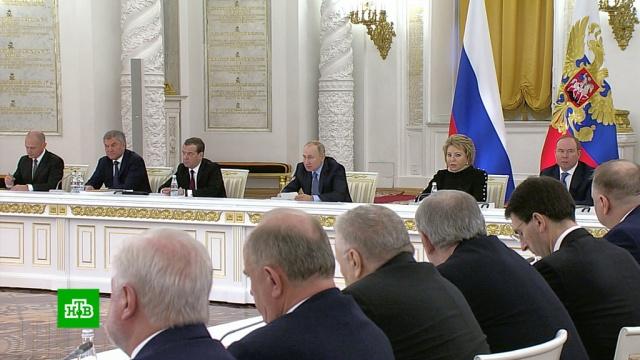 Путин: больше половины россиян снизкими доходами живут вселах