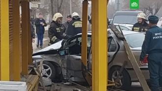 Автомобиль влетел востановку вВолжском